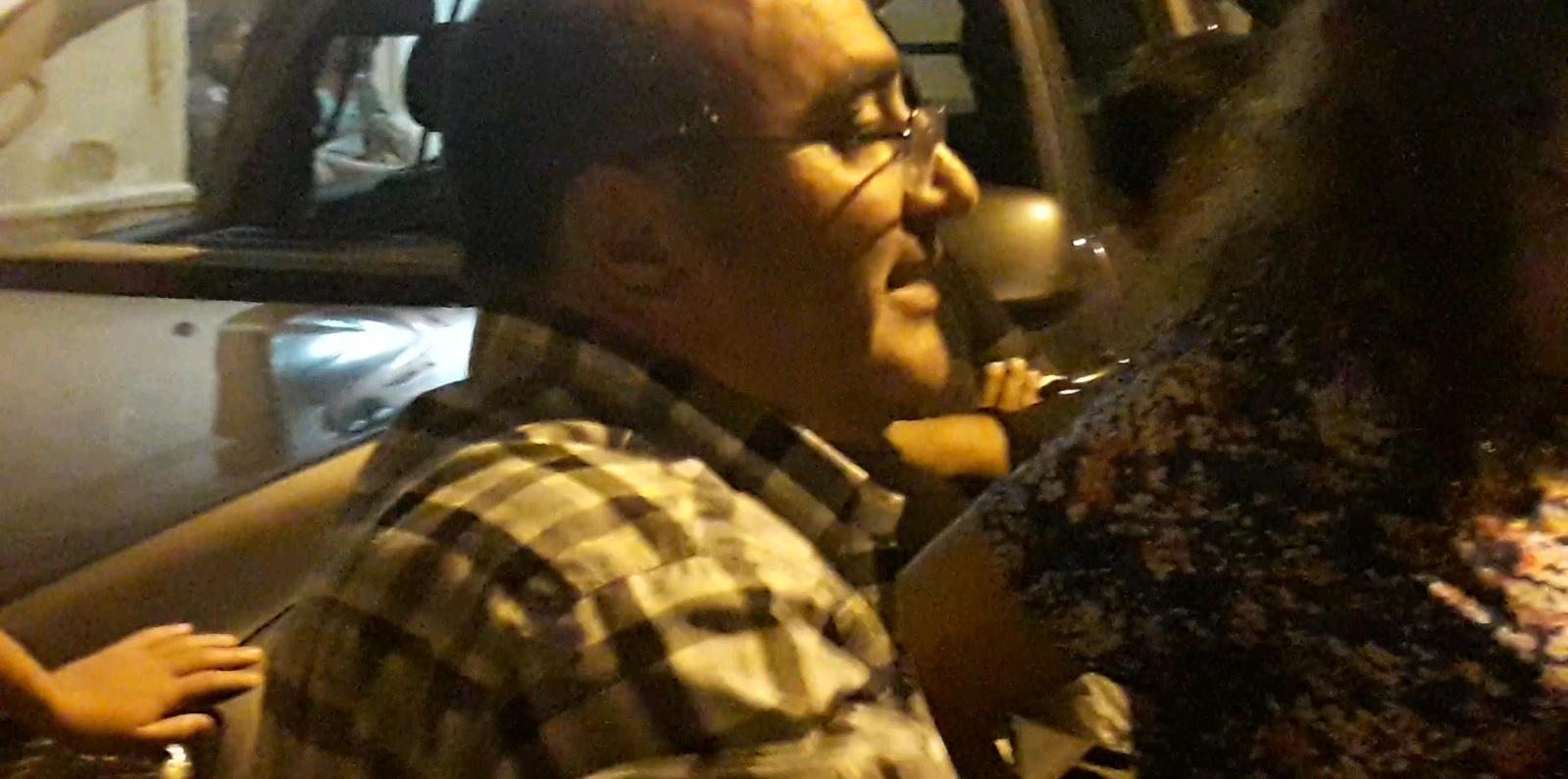 Ex beneficiarios de las ONGs cortaron la calle frente a la Casa Radical en Chilecito [VIDEO]