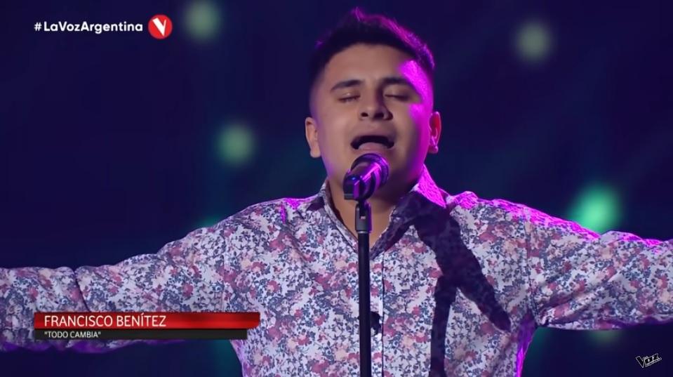 """Francisco Benítez, el joven con tartamudez que hizo llorar al jurado de La Voz Argentina: """"Lo que me salvó fue cantar"""""""